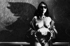 Tony_Ward_photography_early_work_portfolio_classics_nude_sunglasses_pearls