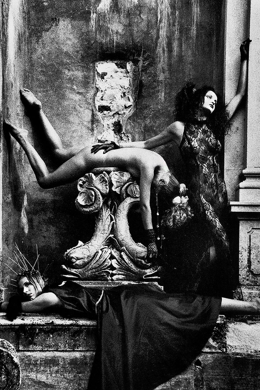 Tony_Ward_Tableaux_Vivant_Longwood_Gardens_portfolio_classics_fashion_nudes