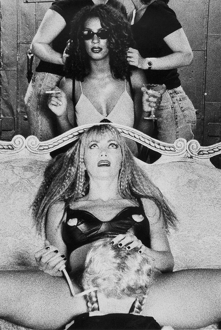 Tony_Ward_early_work_tableaux_vivants_sex_doll_lesbians