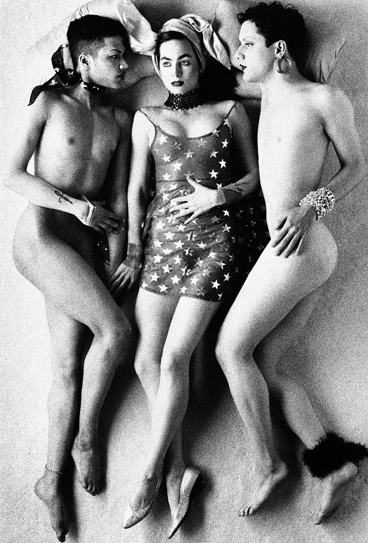 Tony_Ward_studio_tableaux_vivants_middle_america_gay_straight_women