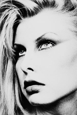 Tony_Ward_Photography_early_work_portfolio_classics_1993_1995_headshots_russian_model_blond_full_lips_high_cheekbones_16R.jpg