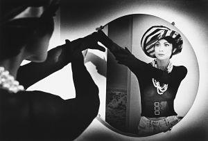 Tony_Ward_early_photography_portfolio_classics_bras_lingerie_beauty_fashion_model_fantasy_gloves_pearls_dreams_bracelet_fine_jewelry_necklace_mirror_image_gloves_Sandy_fantasy.jpg