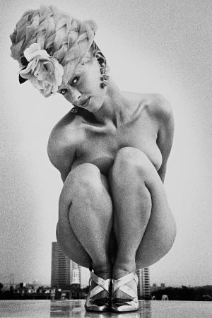 Tony_Ward_early_work_portfolio_classics_nudes_1990's_rooftop_vintage_hat_model_Dana_view_obsessions_1.jpg