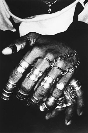 Tony_Ward_photography_early_work_bodyscapes_jewelry_black_hands_cross_rings_chains_66L.jpg