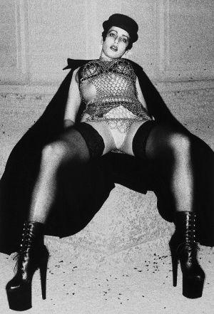 Tony_Ward_photography_early_work_portfolio_classics_fashion_women_capes_hats_erotica_63R.jpg