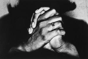 Tony_Ward_photography_hands_shadow_small_ring_closeup_black_shadow_66R.jpg