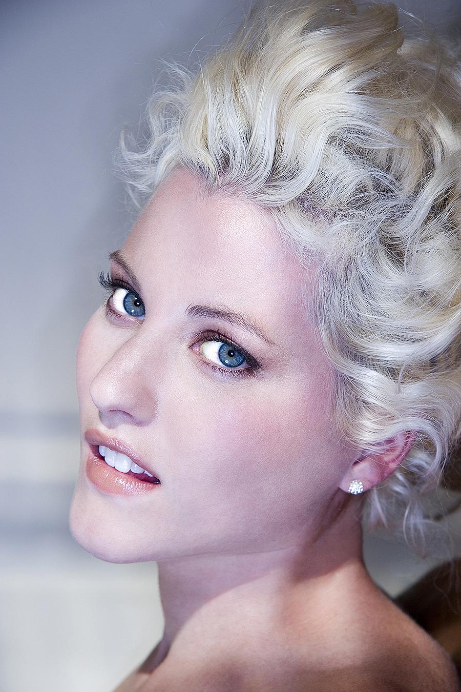 Tony_Ward_erotic_fashion_photography_blue_eyed_blonde_topless_beautiful_light
