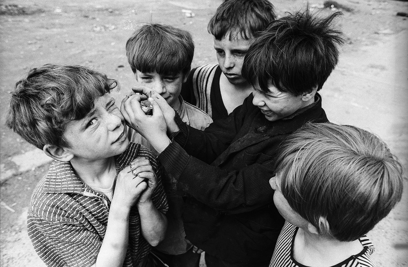 Children with bird, Shankill Rd., Belfast