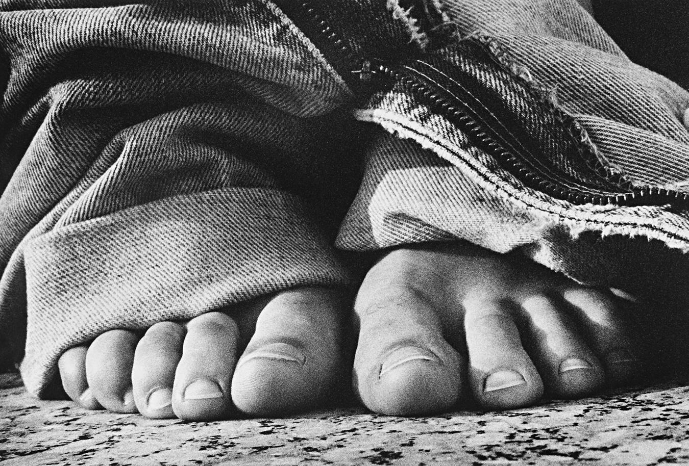 Tony_Ward_photography_early_work_portfolio_classics_jeans_feet