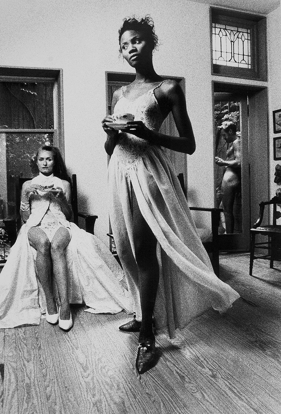 Tony_Ward_early_tableaux_vivant_1995_Model_Monica_Walker_Lydia_hun_male_nude_afternoon_tea