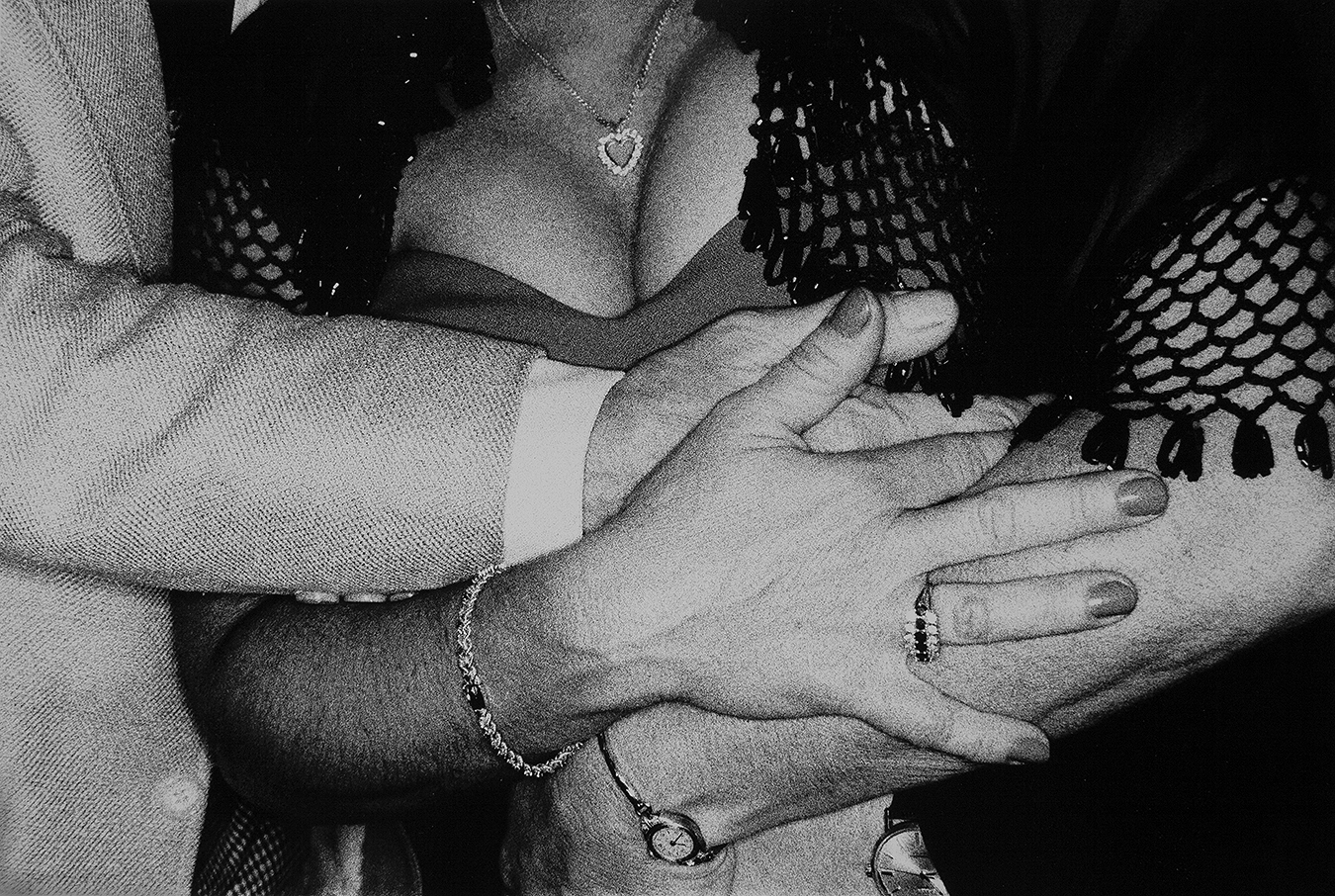 FROLICH-HAND-ON-LADY'S-BREAST_8894