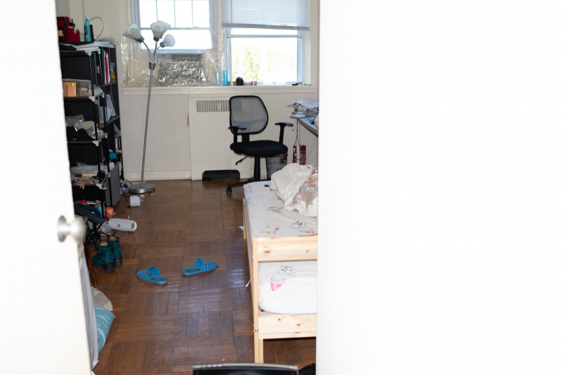 Tina-Captivity-Apartment-Objects-Bedroom