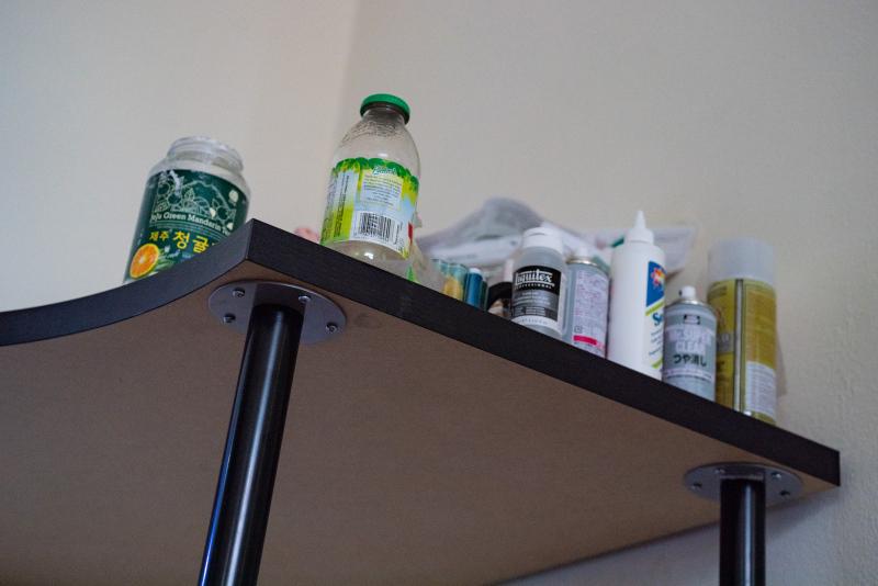 Tina-Captivity-Apartment-Objects-Desk-bottles