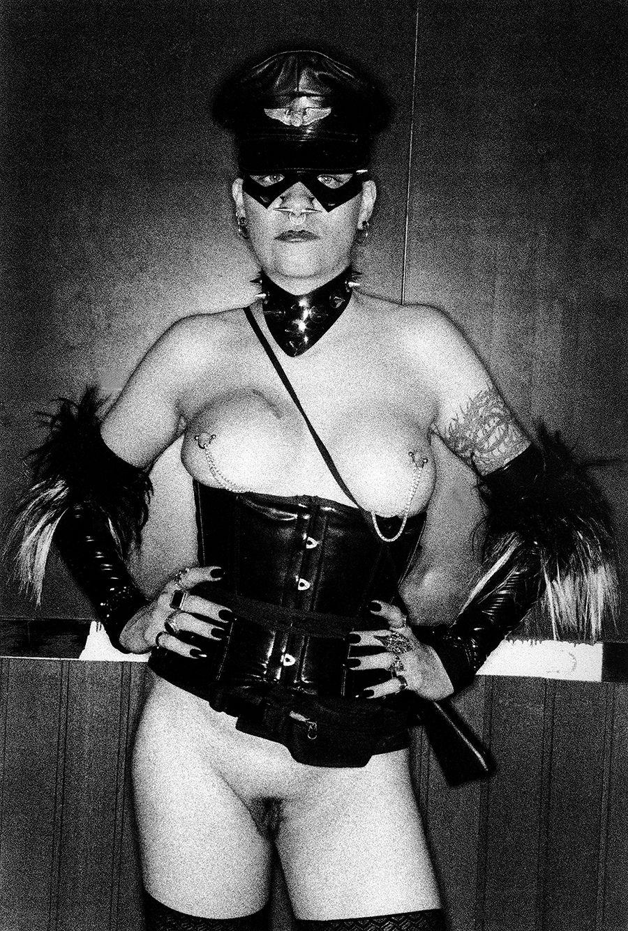 med-Tony_Ward_photography_documentary_wasteland_party_amsterdam_netherlands_fetish_bondage_fashion_erotica_kink_porn_lust_piercings_gay_straight_dance_music_fun_international_parties_transgender_2-L