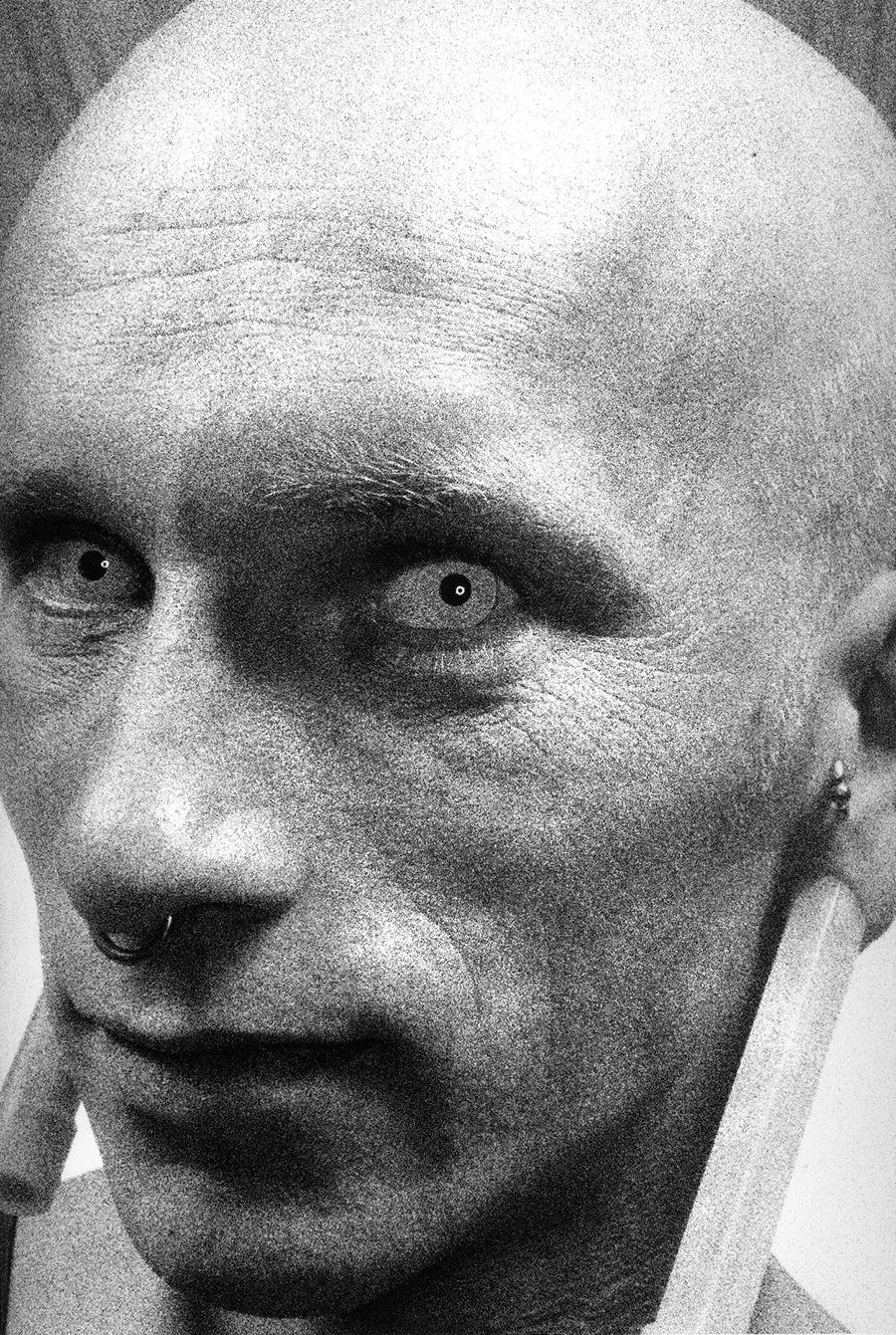 med-Tony_Ward_photography_wasteland_fetish_party_alien_man_exotic_contacts_bald_head_extreme_ear_piercings